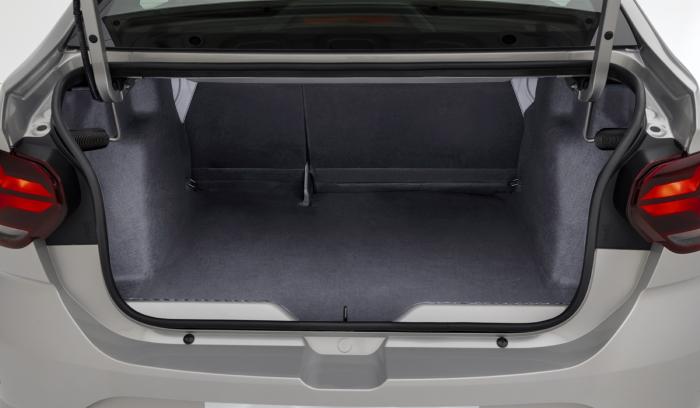 Новый Рено Логан фото багажника